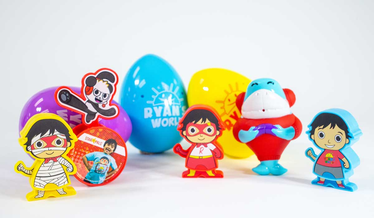 Ryan Toy Video Toys Hardee's Relaunches Star Pals Meals With Pocket Watch And