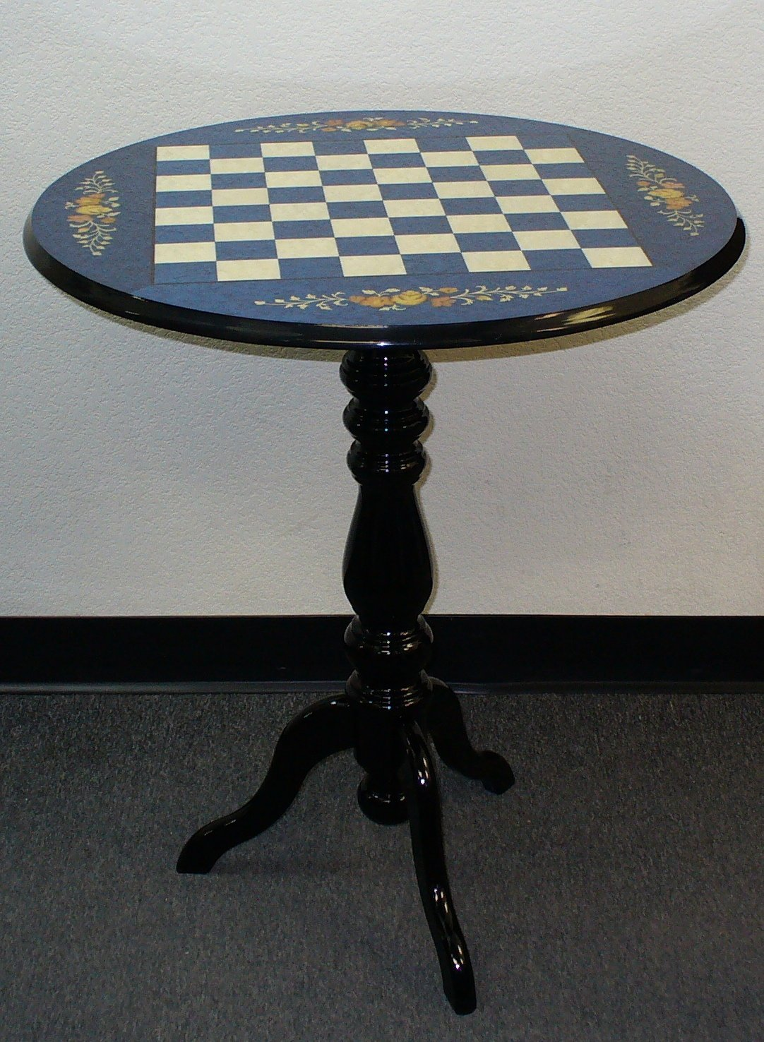 Round Chess Set Round Briarwood Blue Floral Lacquered Chess Table