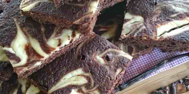 sugar free low carb chocolate vanilla brownies