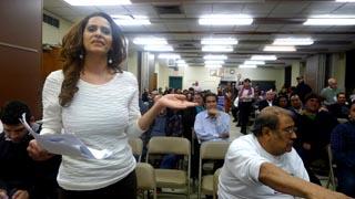 Dania Joaquín de la Coalición de Vivienda de Queens.