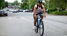 Vía para bicicletas en la calle 111 de Corona sigue su recorrido por la comunidad