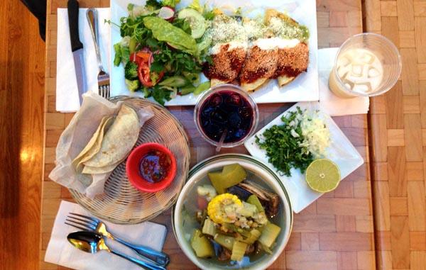 Taquer a coatzingo aut ntica comida mexicana en queens for Autentica mexican cuisine
