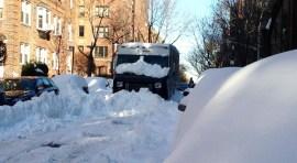 Queens trata de sacudirse de la nieve (Local politicians criticize the City respond )