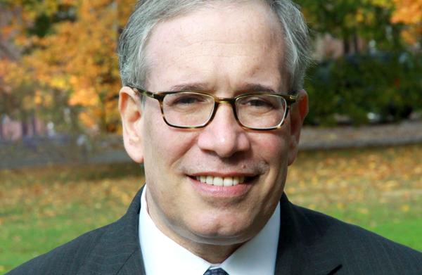 Contralor de NYC Scott M. Stringer: Un trabajo digno merece una paga digna