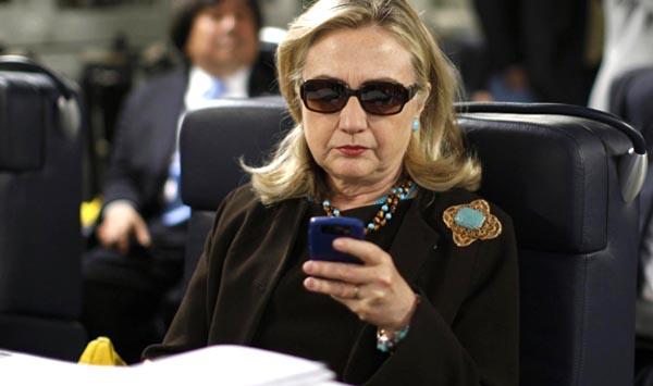 Emails ponen a Hillary Clinton en aprietos