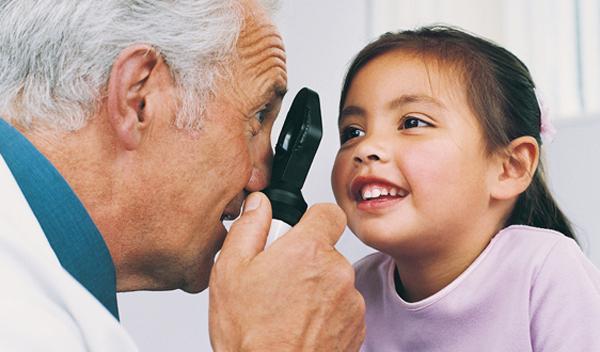 Mes de la salud y seguridad ocular infantil