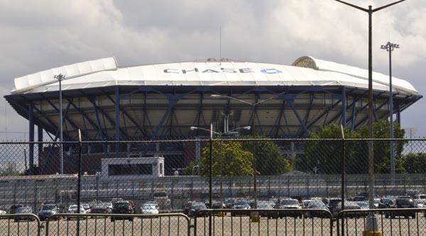 Estadio Arthur Ashe para Abierto de Tenis en Parque Flushing con nuevo techo