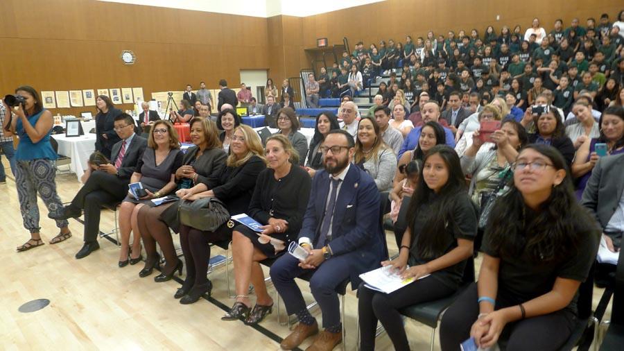 En auditorio de Gabriela Mistral Campus estuvo colmado de representantes de la comunidad.