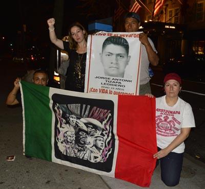 Mexicanos apoyando a los argentinos en su lucha contra el neoliberalismo en Latinoamérica.