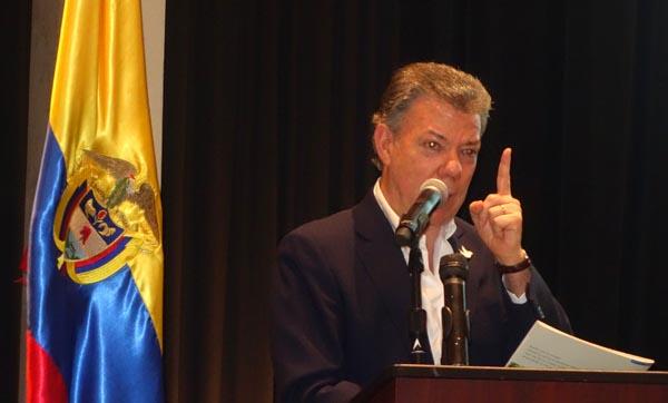Presidente de Colombia se reúne con su comunidad en NY para promover el Proceso de Paz y voto por el Si