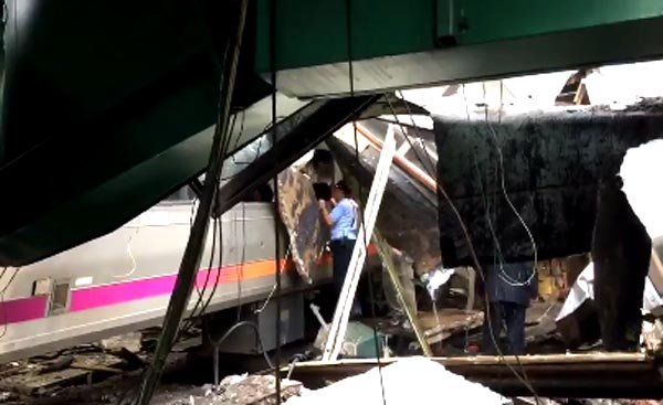 Tren se estrella en Hoboken y mata a brasilera