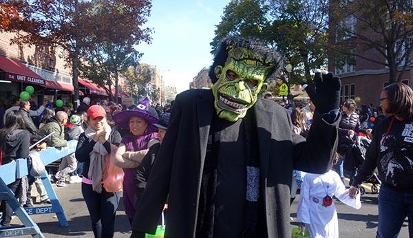 Policía de NY: 'Cuide a su familia en Halloween'