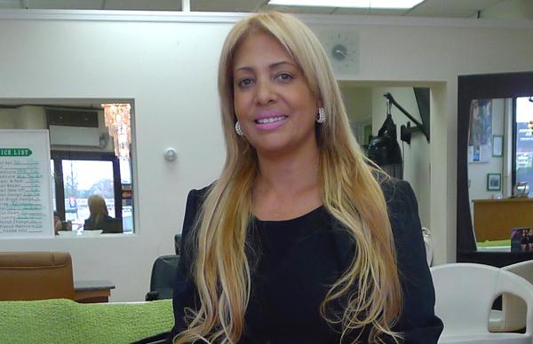 Angela Pérez, presidenta de la Cámara de Comercio de Mujeres de Queens: 'Debemos educarnos'