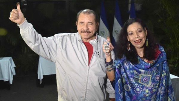 Sandinista Daniel Ortega reelegido presidente de Nicaragua y su esposa vicepresidenta…