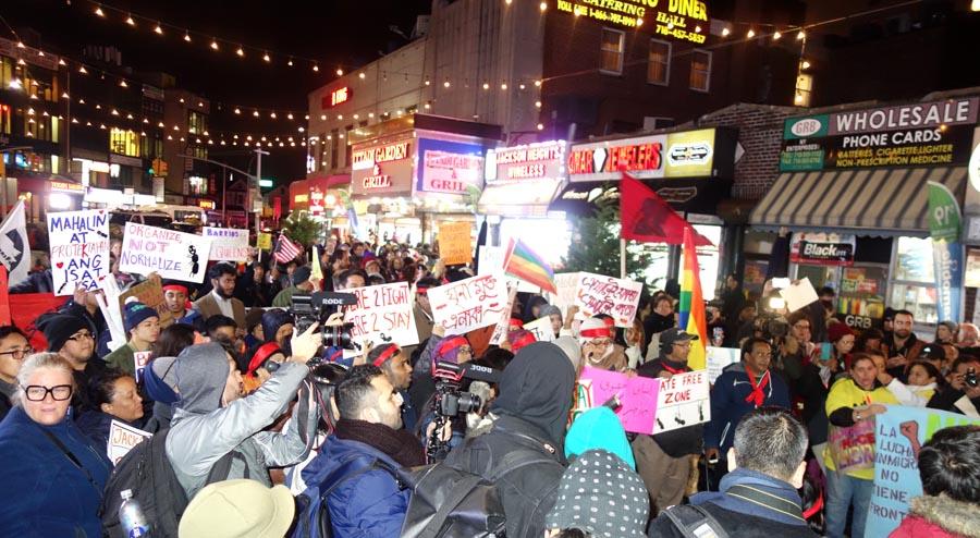 En Diversity Plaza fue notoria la presencia de medios de comunicación y representantes de varios grupos de inmigrantes.