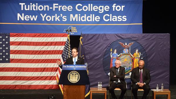 Gobernador Cuomo anuncia 'college' gratis para familias que ganan menos de $125,000 al año