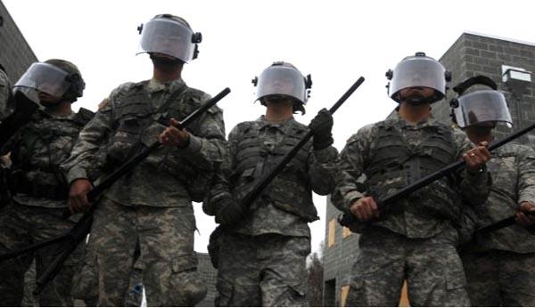 Presidente Trump considera movilizar la Guardia Nacional para atrapar indocumentados: AP