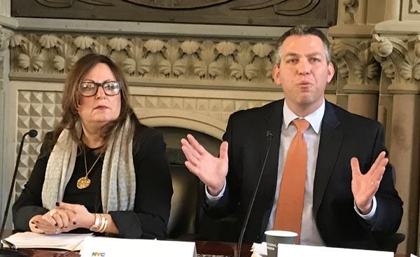 Departamento de Educación de NYC expone los avances del programa Renewal Schools