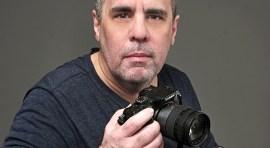 Fotógrafo John Caballero se enfoca en los latinos de Nueva York