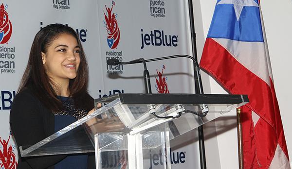 La campeona olímpica de gimnasia, Laurie Hernández, se desplazará en carroza en el desfile boricua.