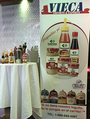 Estanto con los productos VIECA y Kola Real, además de Cibao Meat Products.