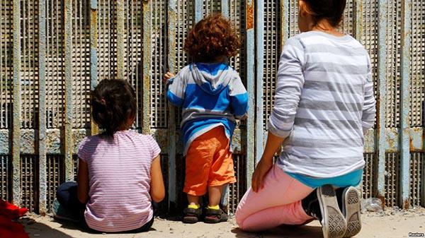 'Arrestar a padres en la frontera no es buena idea': Kelly