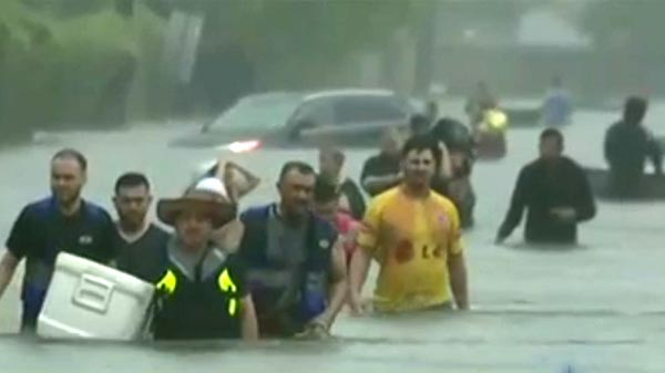 Houston bajo agua y agua
