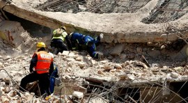 México comienza a levantarse del terremoro que ha dejado 324 muertos
