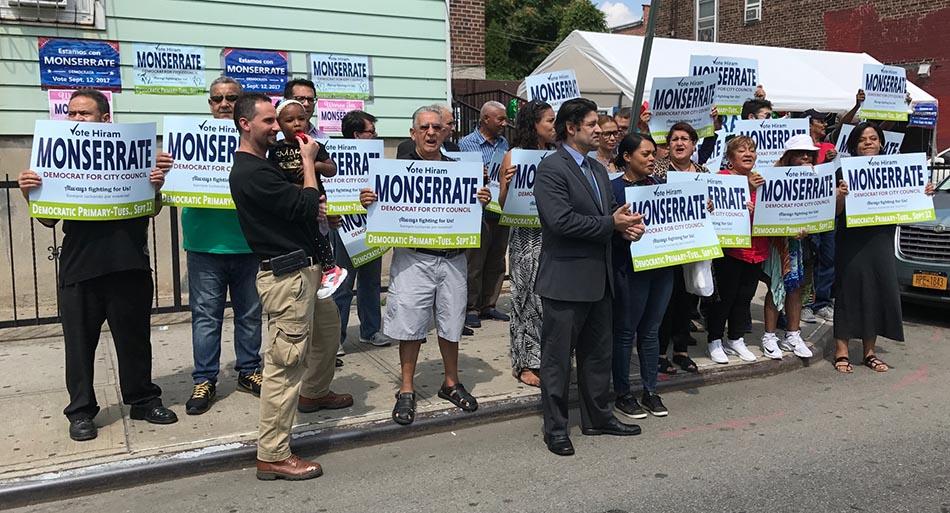 Yonel Letellier Sosa antes de anunciar su respaldo antes los seguidores de Monserrate.