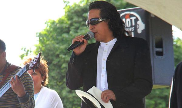 Roy Guzmán es presidente del Desfile Hispano de Queens que representa a la comunidad
