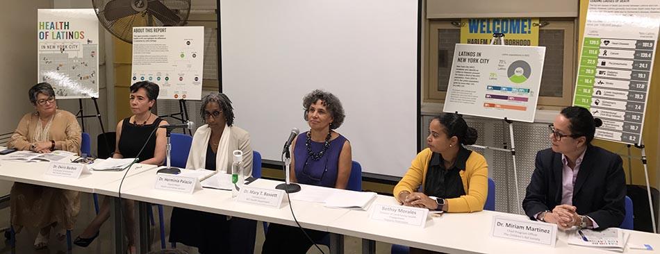 Desde la izquierda, Lorraine Cortés Vazquez, Dr. Oxiris Barbot, Dr. Herminia Palacio, Dr. Mary Bassett, Bethsy de la Federación Hispana y la Dr. Miriam Martínez del Children's Aid Society.