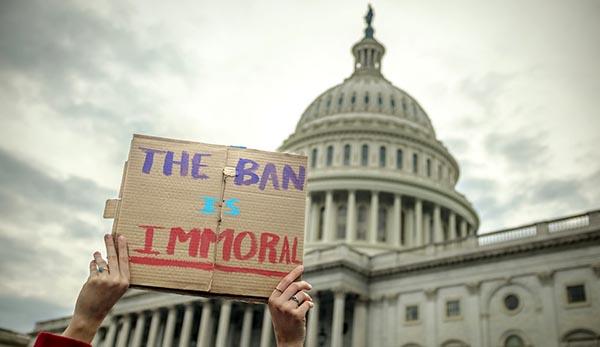 Ley de prohibición de viajes en 100%