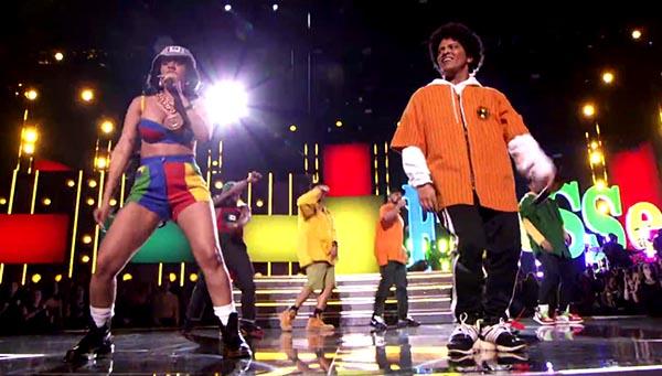 Bruno Mars con 6 Grammys