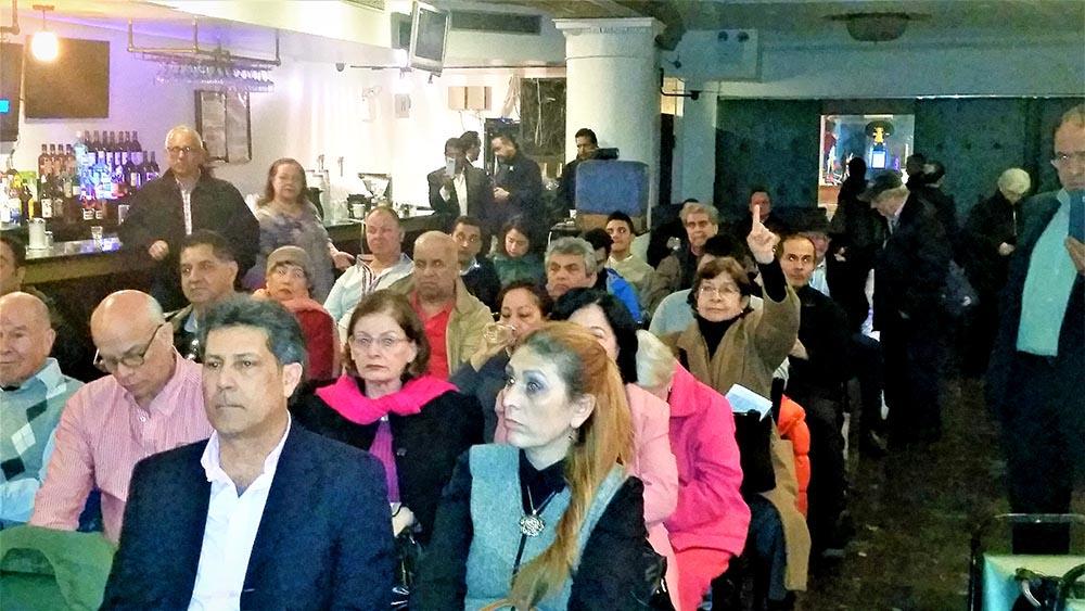 Parte del público que asisitió al foro sobre los candidatos al Congreso de Colombia por la diáspora de esa nación suramericana.