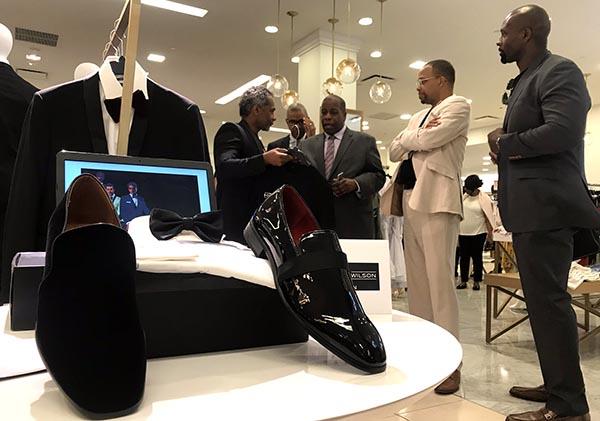 Macy's exhibe en NY mercancía de empresarios minoritarios