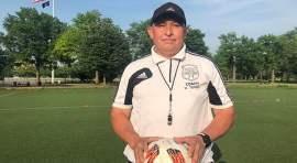 Obrero William Torres usa el fútbol para unir a latinos