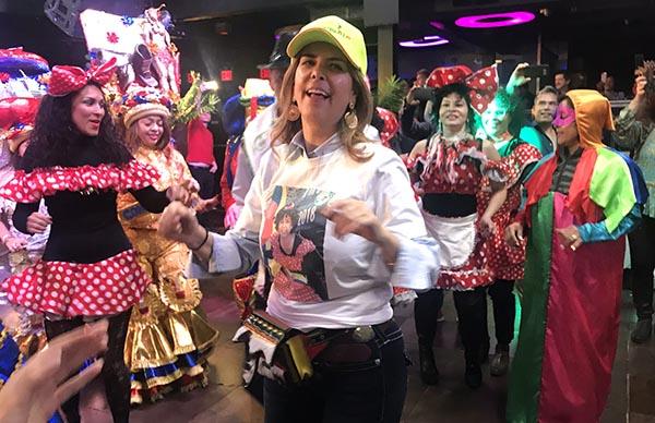 Coronan en NY a cónsul de Colombia María Isabel Nieto