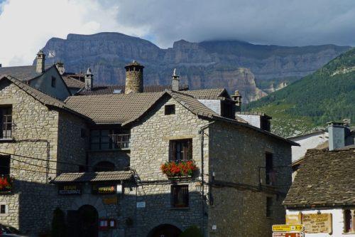 Torla-Ordesa, uno de los pueblos con más encanto del Pirineo Aragonés