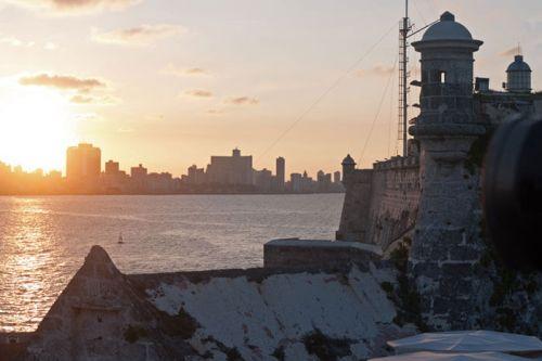 Atardecer en La Habana visto desde el Castillo de los Tres Reyes del Morro