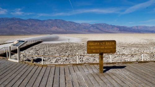 Cuenca Badwater (Badwater Basin) en el Valle de la Muerte de California