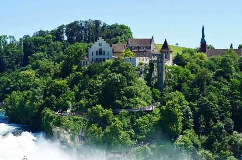 Desde el Castillo de Laufen se accede a los mejores miradores de las Cataratas del Rin