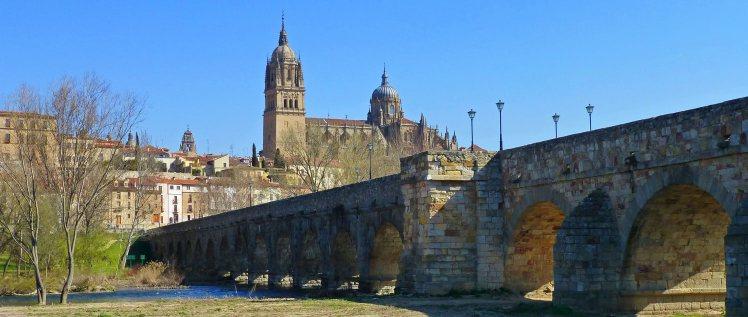 ¿Y si aprovechamos las buenas temperaturas del otoño para visitar alguna de las ciudades monumentales de España?