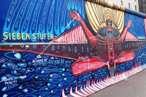 Pintura mural en East Side Gallery