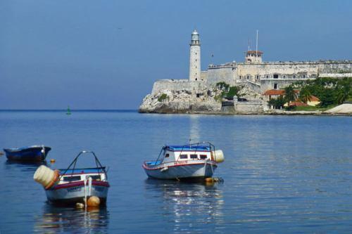 Castillo de los Tres Reyes Magos del Morro a la entrada de la Bahía de La Habana
