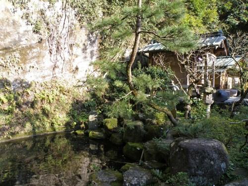 Exteriores del Templo Zeniarai Benten en Kita-Kamakura