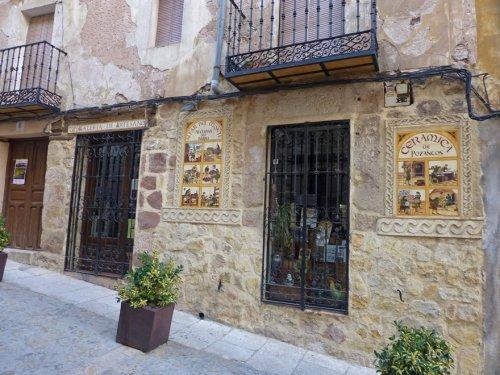 Tienda de cerámica tradicional de Sigüenza