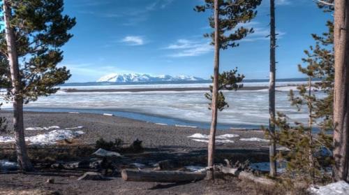 Lago Yellowstone, el lago de montaña más grande de Norteamérica