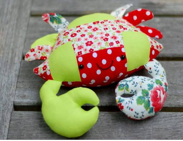 Casey The Crab Free Pattern Patchwork Version