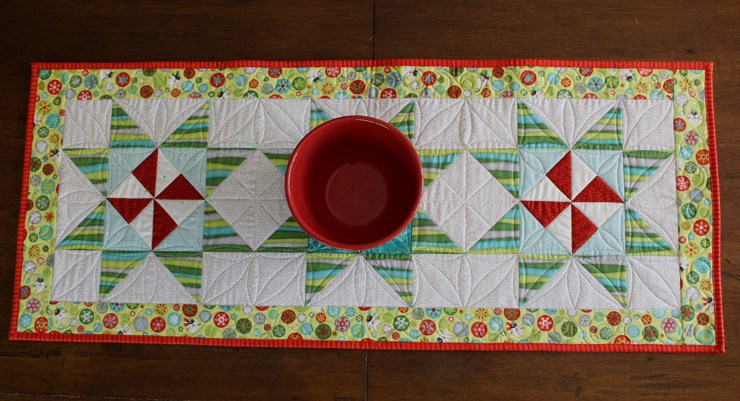 Charming Placemats And Runner For The Holidays Quilting
