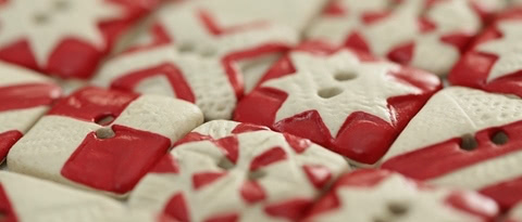 red-white-buttons